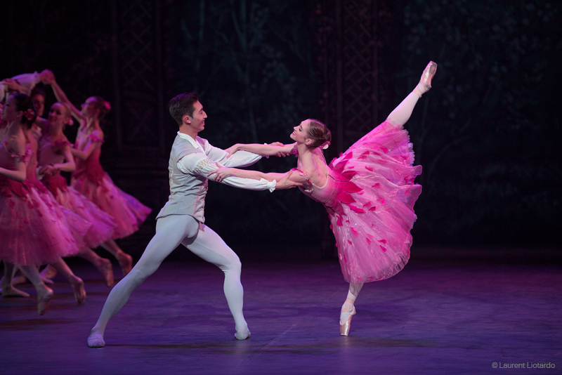 Alison McWhiney and Jinhao Zhang in English National Ballet's Nutcracker (C) Laurent Liotardo