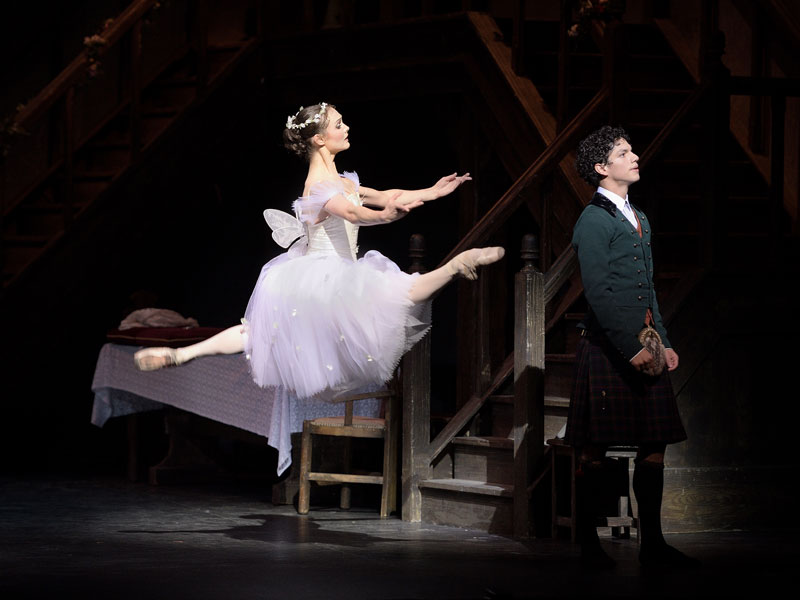 Jurgita Dronina and Isaac Hernandez in La Sylphide ® Laurent Liotardo