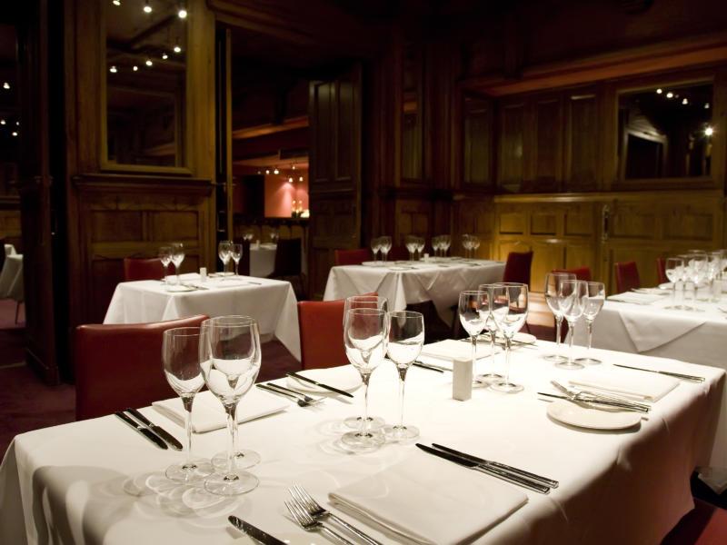 American Bar Restaurant in the London Coliseum (c) Karla Gowlett
