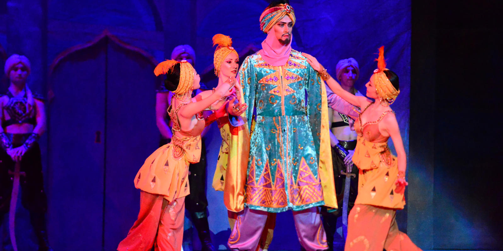 Nurzhan Baybusinov as Shahriar in Scheherazade. Photo by the press office of the Abay KSTOB