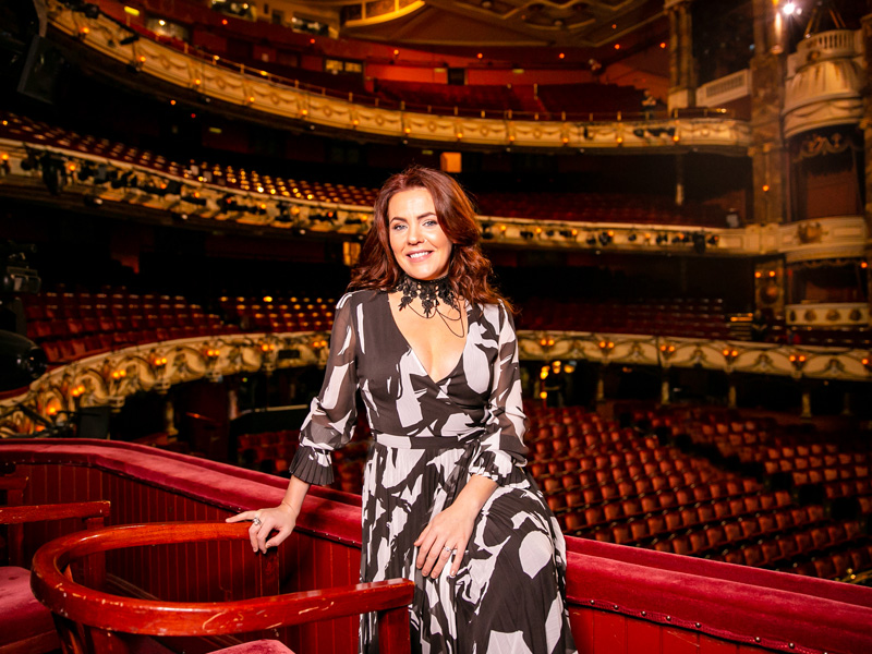 Rachel Tucker (Grace O'Malley) at the London Coliseum (c) Danny Kaan